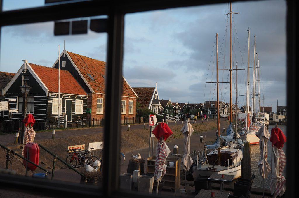 "View of the harbor from the ""Land en Zeezicht"""