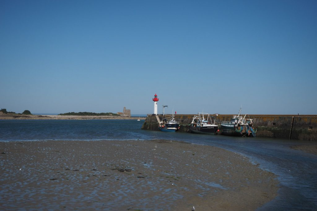 St.Vaast's harbor entrance at low tide (the harbor is closed with a lock)
