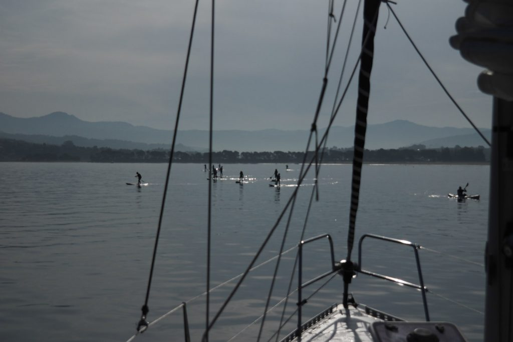 Morning at anchor - with stand-up paddlers swarming into the bay